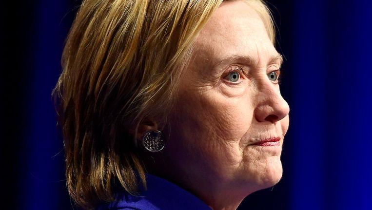 Hillary Clinton op haar enige publieke optreden na haar verlies. Beeld Photo News