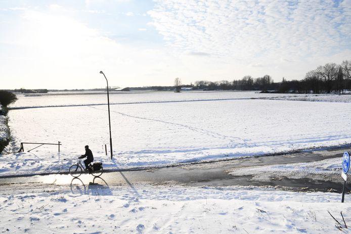Het terrein aan de Tilburgseweg achter Brasserie De 2 Bourgondiërs waar mogelijk een zonnepark komt.