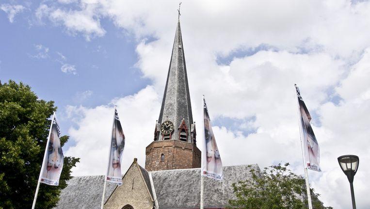 De kerktoren van Watou Beeld RV