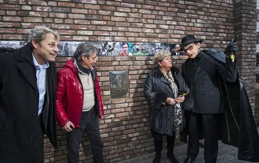 De onthulling van het muurtje van de legendarische linksbuiten.