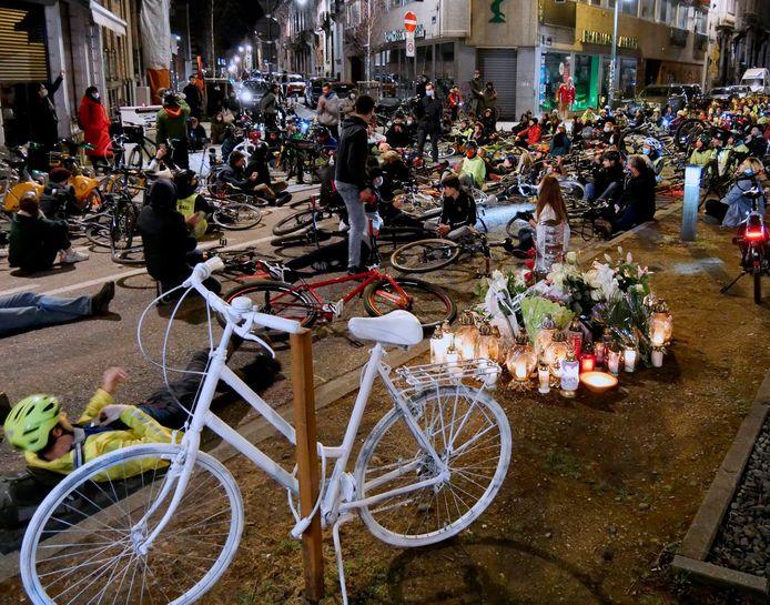 Herdenking Iwona (30) ze kwam om na een fietsongeval
