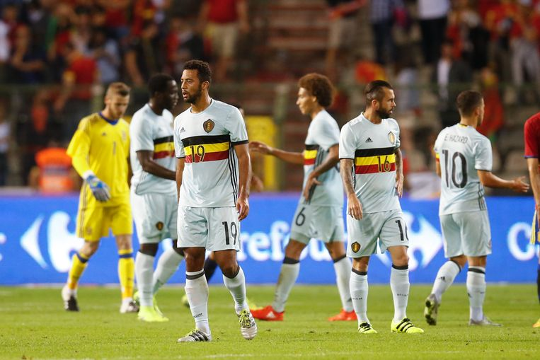 Belgium's players look dejected after a friendly match between Belgian national soccer team Red Devils and Spain, on Thursday 01 September 2016, in Brussels. BELGA PHOTO BRUNO FAHY Beeld null