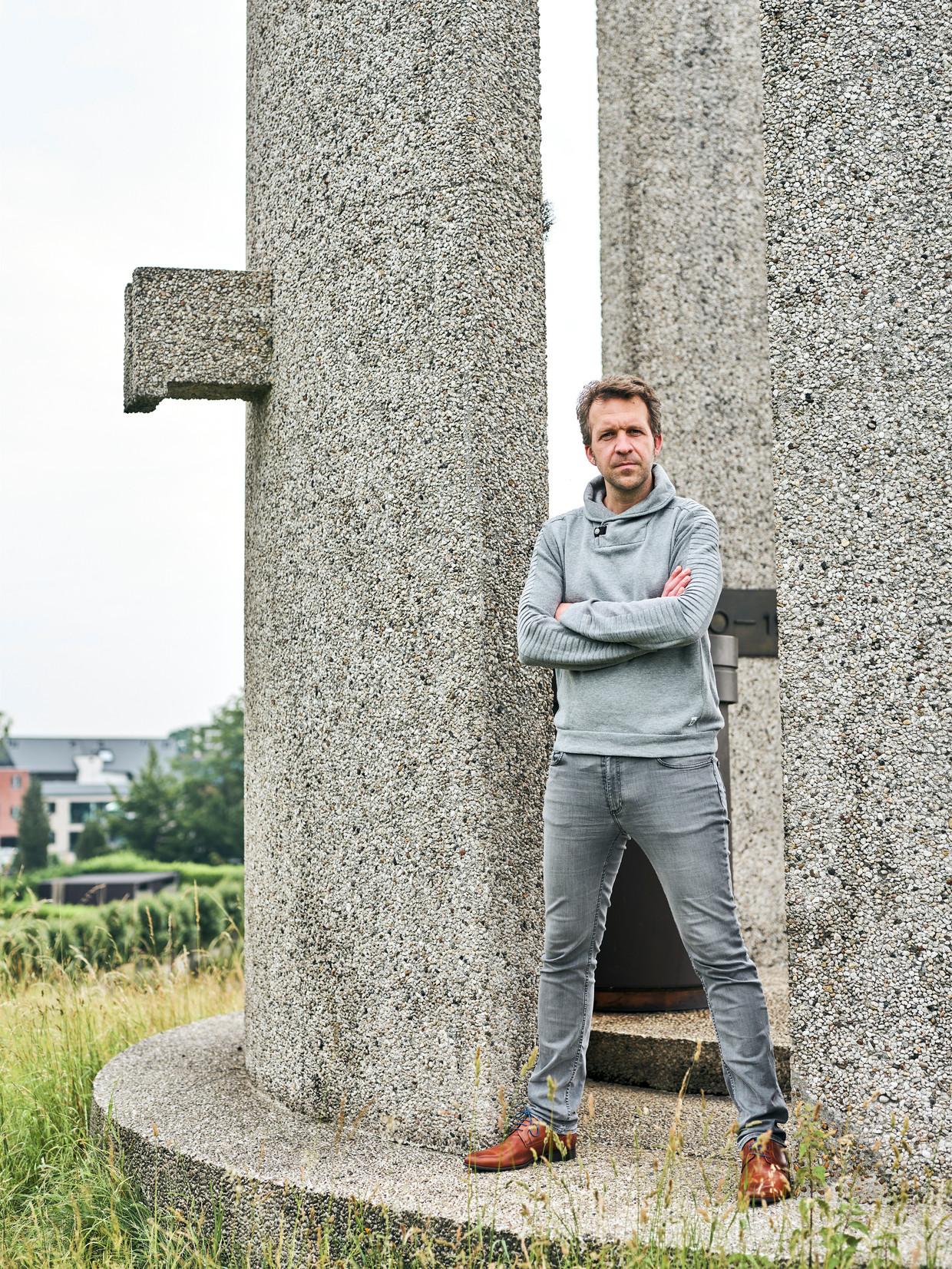 'In 2017 communiceerde men niet naar de bevolking. Omdat men na 15 jaar palaveren de schup in de grond wilde.' Beeld Thomas Nolf