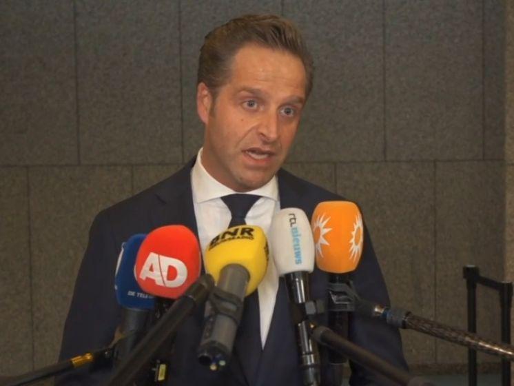 Hugo de Jonge: 'Het ziet er niet goed uit voor verruiming december'