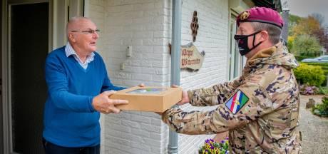 Legervoertuigen vol lunchpakketten voor Drutense veteranen