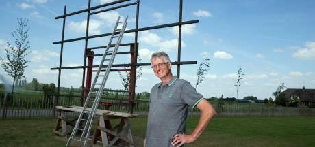 Wie helpt Karel uit Didam met zijn zonnepanelen in de tuin?