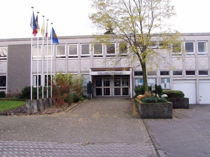 Zo ziet het gemeentehuis er vandaag nog uit
