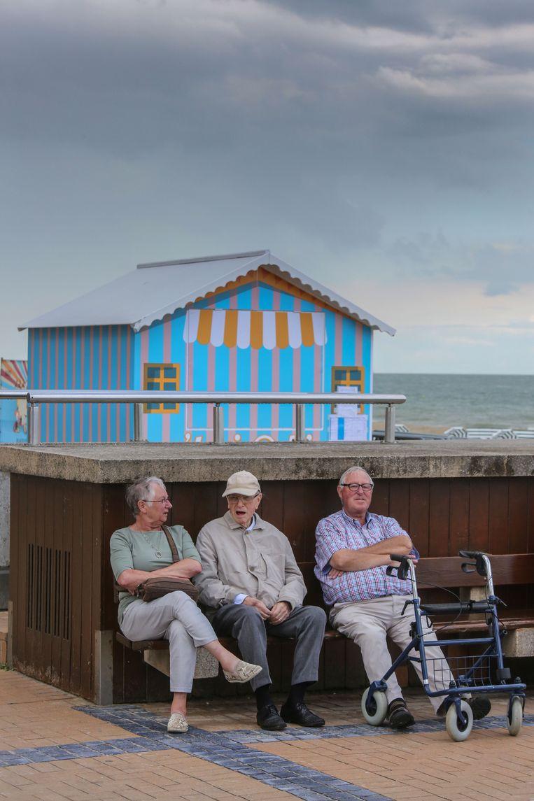 Een op de drie kustbewoners is nu al ouder dan 65, de mensen die er niet gedomicilieerd zijn niet meegerekend. Beeld Henk Deleu