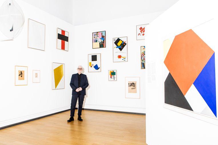 De hoek met schilderijen van Malevitsj. Beeld Hilde Harshagen