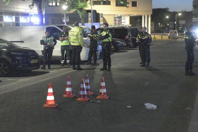 Een 23-jarige bestuurder maakte twee slachtoffers en reed daarna door.