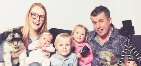 Zwols vloggezin zet oma's begrafenis online, tot woede van familie: 'Alle grenzen overschreden'