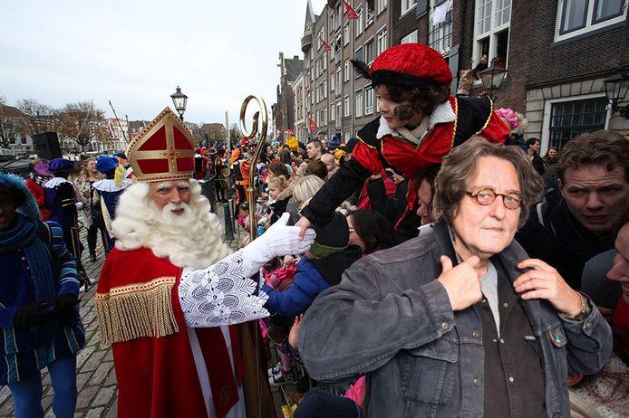 Kees Thies kan zich nog herinneren dat het organiseren van een Sinterklaasintocht ongecompliceerd was. ,,Da's tegenwoordig wel anders.''