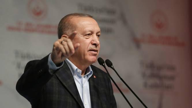 """Erdogan roept Griekenland op grenzen open te stellen voor migranten: """"Laat ze naar andere Europese landen gaan"""""""