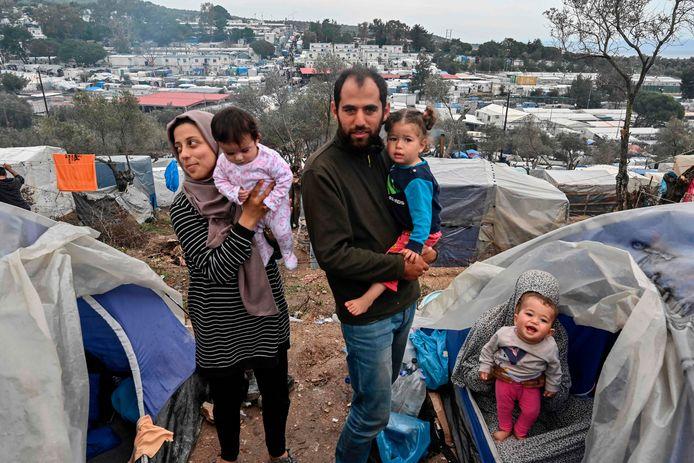 Een Syrische familie in kamp Moria op Lesbos.