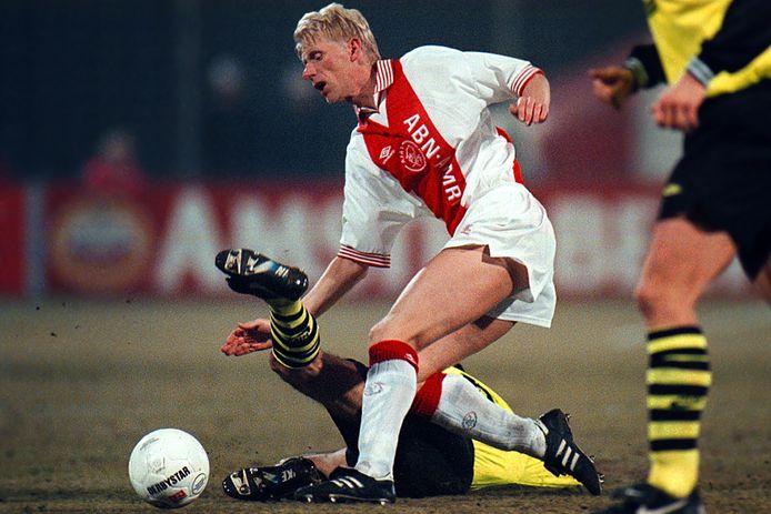 Arnold Scholten kwam als beoogd invaller naar Ajax, maar speelde in 1996 nog aardig wat wedstrijden. Zo was hij in de kwartfinale tegen Borussia Dortmund nog basisspeler - hij verving Danny Blind.