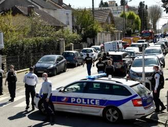 Politiemedewerkster (49) doodgestoken bij politiebureau buiten Parijs
