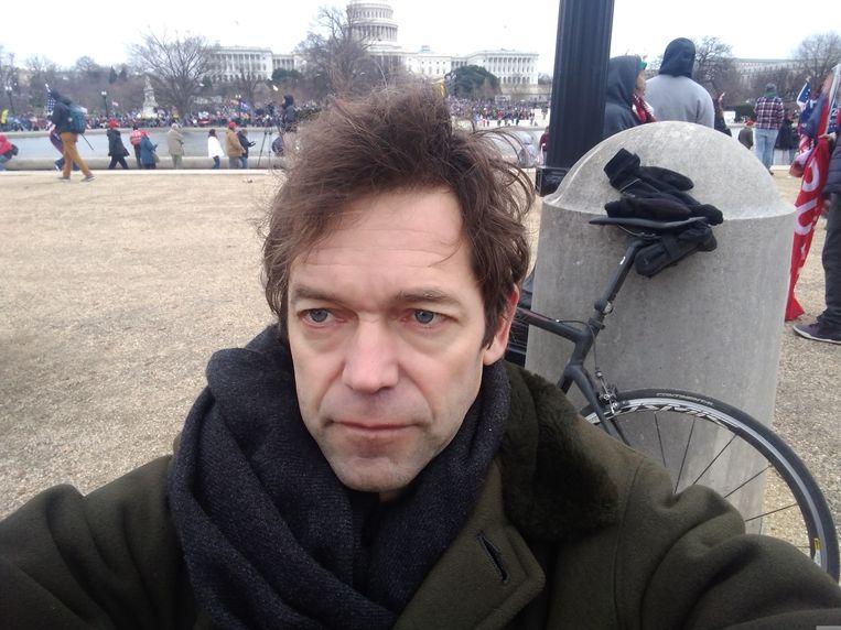 Michael Persson is net op tijd ter plaatse bij het parlementsgebouw, 6 januari. Beeld