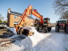 Vrijwilligers Haarlese sneeuwploeg krijgen duimpjes van bewoners: straten weer enigszins begaanbaar