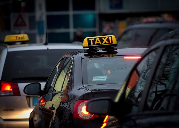Vanaf wanneer de Utrechtse taxi's stil en schoon zouden moeten zijn, is nog niet bepaald.