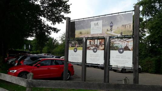 De ingang van camping Twee Bruggen in Winterswijk.