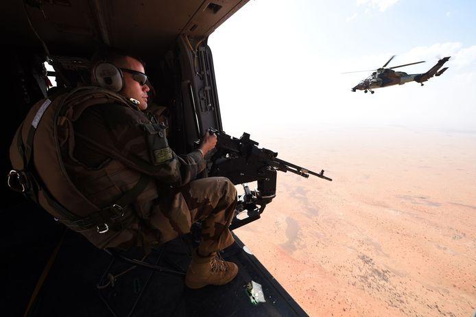 Sinds het begin van de operatie in 2013 zijn 38 Franse militairen in Mali omgekomen. Frankrijk heeft duizenden manschappen gelegerd in de regio. Die assisteren Mali en vier andere West-Afrikaanse landen in het kader van operatie Barkhane bij de strijd tegen extremisten. Ook trainen de Fransen lokale veiligheidstroepen.