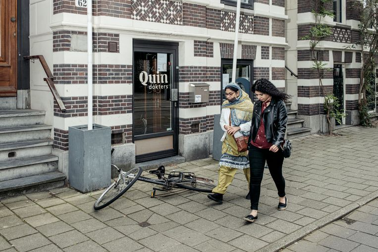 De tijdelijk gesloten vestiging van Quin Dokters aan het Oosterpark. Beeld Jakob van Vliet