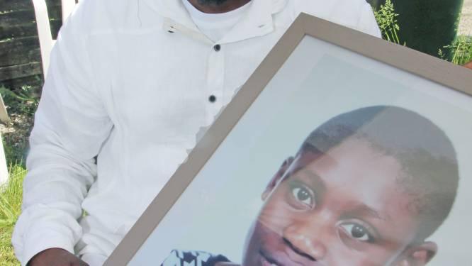 """School verantwoordelijk voor verdrinking Elie (15) in Zwevegemse zwembad: """"Er was onvoldoende aandacht voor de kinderen"""""""