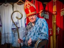 Pietenpakken bleven dit jaar op zolder, maar Dick Pongers zal altijd Sinterklaas blijven spelen