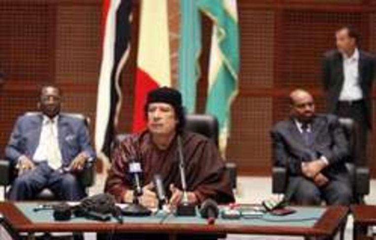 De Libische president Kadhafi houdt een toespraak na het ondertekenen van het akkoord.