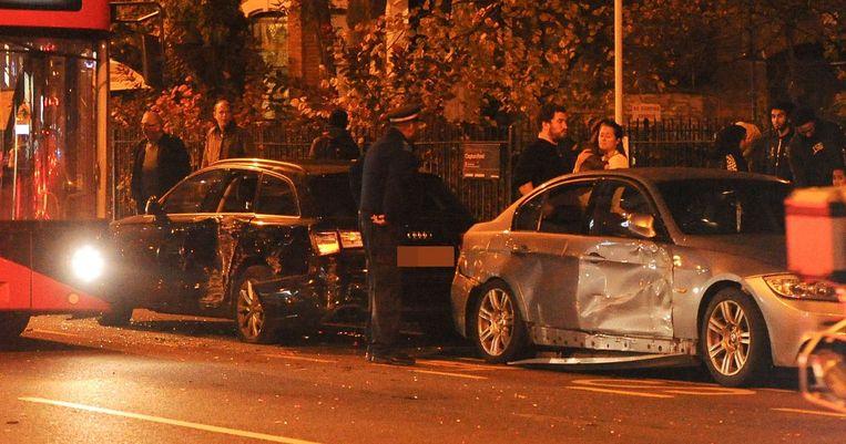 Buschauffeur ramt auto's in centrum Londen