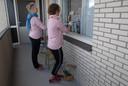 Mieke Klomp en Ellen Manders in actie