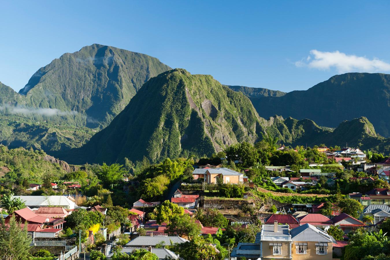 Van het eiland La Réunion werden meer dan 2000 kinderen meegenomen.