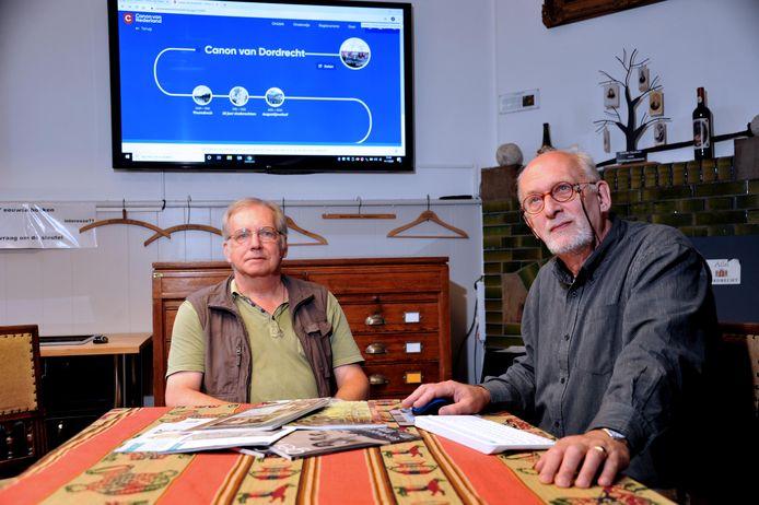 Jan Willem Boezeman (rechts) en Ad Bosch van Augustijnenhof hebben de Canon van Dordt in vier maanden tijd afgerond.