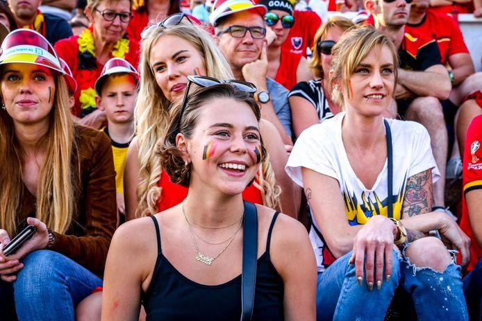 Lachende gezichten in Oostende in 2018, tijdens België-Brazilie. Een EK-dorp zit er dit jaar niet in, maar de ontlading bij een Europese titel zou enorm zijn.