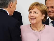 Angela Merkel na trilaanvallen: 'Ik ben in orde'
