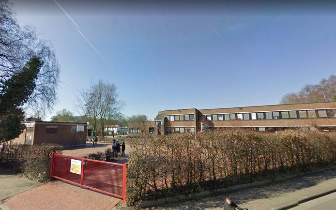 De kleuterklassen van De Wijze Eik - hier de vestiging Casierlaan - zitten al grotendeels thuis in quarantaine.