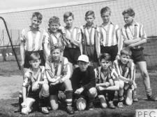 Herman Brood was rechtsbuiten bij PEC Zwolle, maar een groot succes werd dat niet: 'Hij liep liever in een indianenpak'