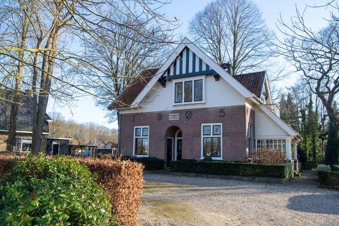Landhuis Piet Hein, het voormalige woonhuis van F.E. Baron Mulert, komt binnenkort te koop.