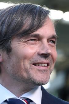 Fenerbahce benadert Cocu, PSV-coach denkt na over interesse