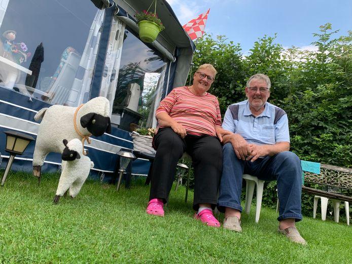 Hans en Lizet Sebregts staan al 33 jaar elke zomer op camping De Victorie in Meerkerk.