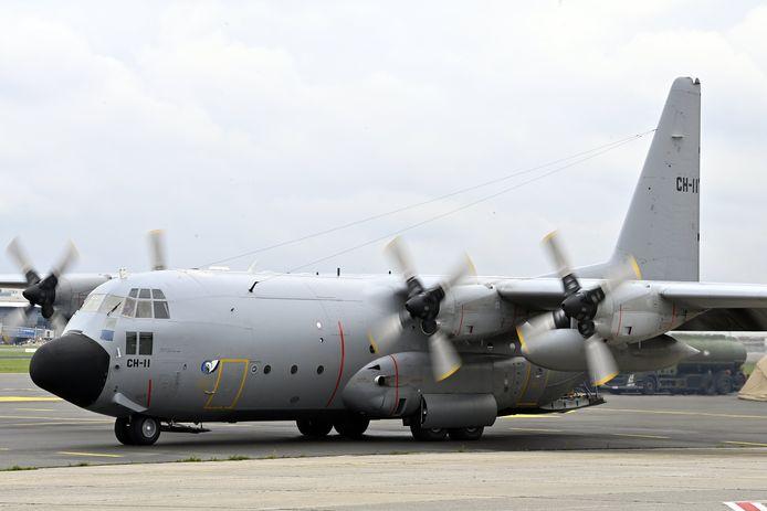 Een Falcon 7X en een A400 M-vrachtvliegtuig van Defensie zijn al aanwezig in Islamabad, twee C-130's (zoals het toestel in beeld) kunnen elk moment landen.