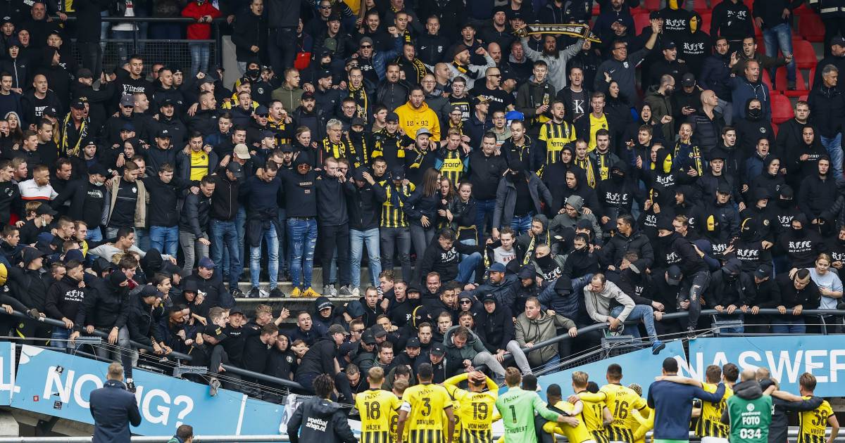 Series of incidents in stadiums are far from over: 'The worst is yet to come; get your chest wet' |  Dutch football