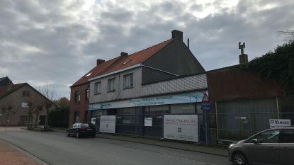 24 appartementen en evenveel garageboxen op hoek Zandvoordsestraat en Kasteeldreef?