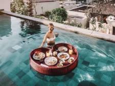 Le petit-déjeuner flottant est la nouvelle tendance des hôtels de luxe: cool ou kitsch?