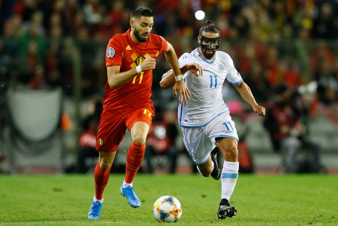 Yannick Carrasco (links.