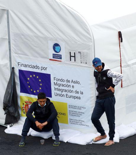 Plus de 100 migrants secourus au large des Canaries