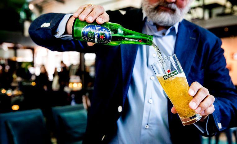 Behalve premiumbieren doen ook de 0.0-bieren en drankjes met weinig alcohol het goed.   Beeld ANP