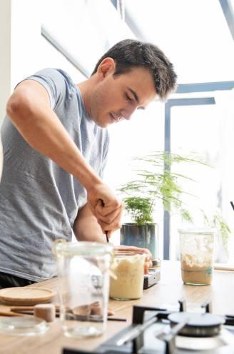 """""""Ik zou nooit boter of olijfolie schrappen om op mijn lijn te letten'."""" Tv-kok Loïc Van Impe onthult zijn gezonde gewoontes"""