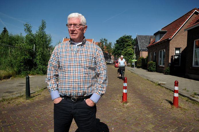 Leendert Makkelie paaltjes in Damstraat, Dordrecht