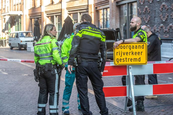 De Voorstraat werd na de vondst afgezet